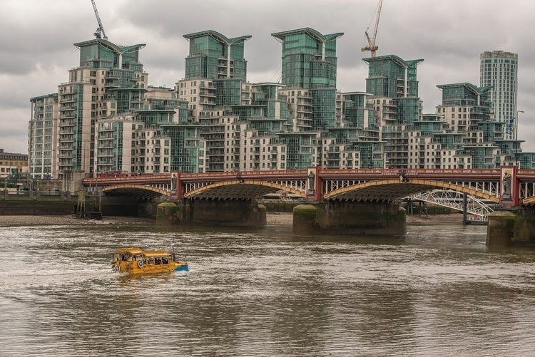 Vauxhall Bridge & St River  - toshmarshall | ello