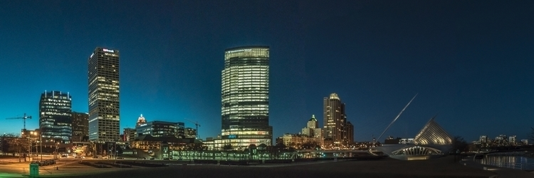 Milwaukee Skyline - sharkypics | ello