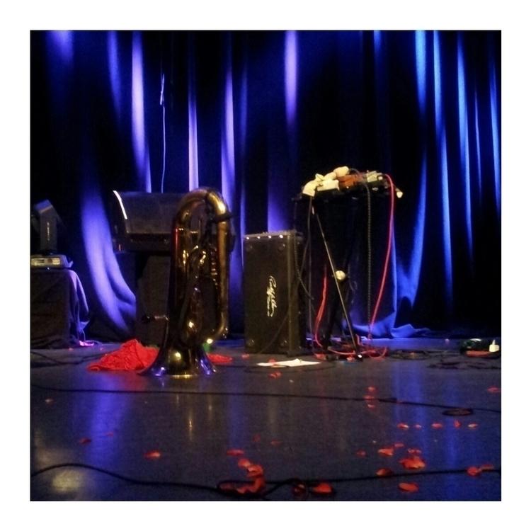 Jenny Hval show - jennyhval, rockefeller - hyperlux | ello