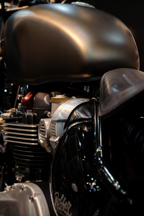 Seductive Triumph motorbike - ceeskok153 | ello
