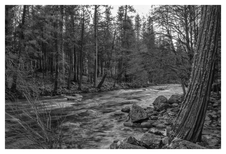 Merced River, Yosemite National - guillermoalvarez | ello