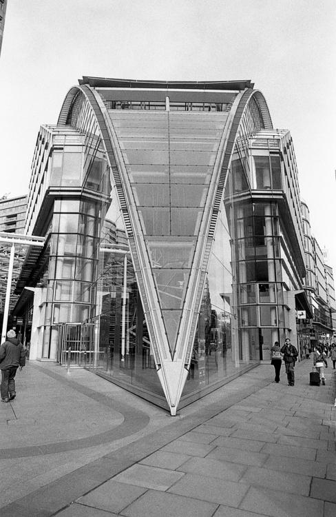 Cardinal Place, Victoria, Londo - toshmarshall | ello