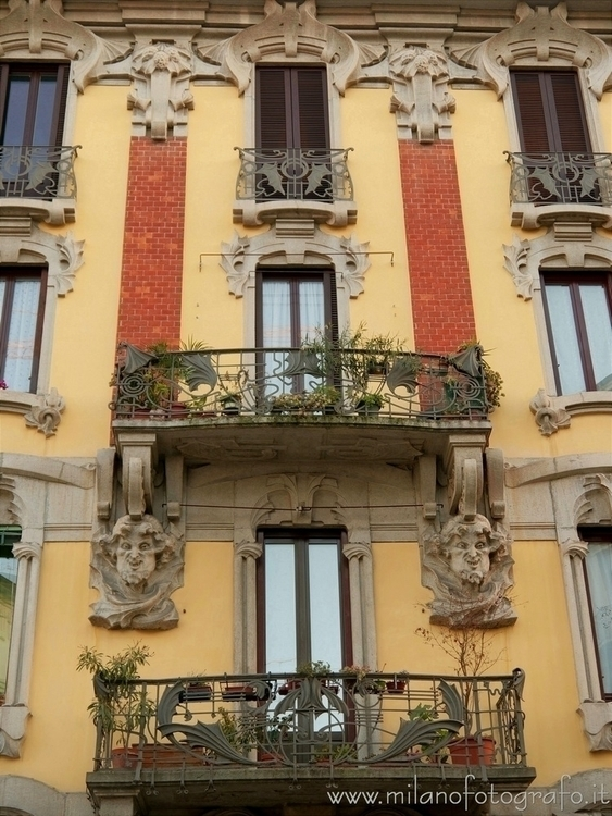 Milan (Italy): Late Art Noveau  - milanofotografo | ello
