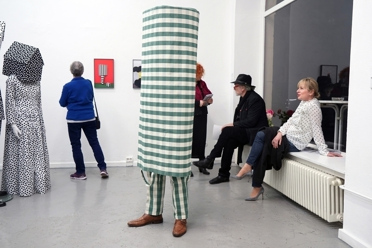 Sculpture leaving exhibition Co - gudakoster | ello