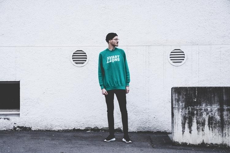 Marathon Sweater, online  - streetwear - svartsnott | ello
