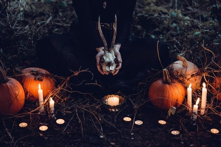 Bewitching days - ellohorror | ello