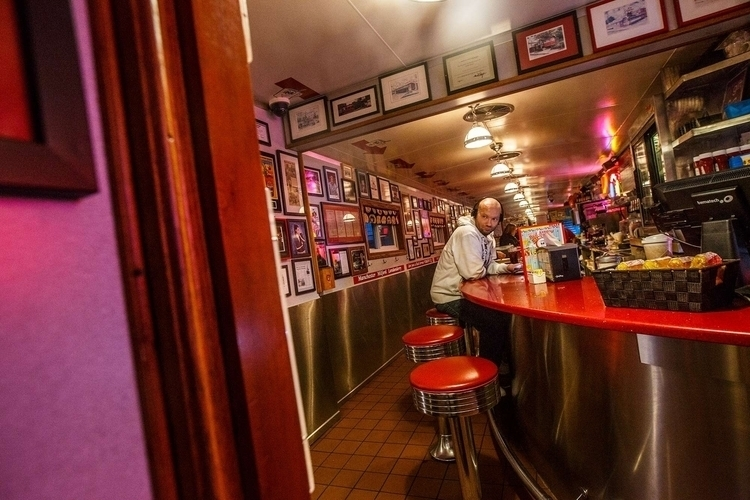 Red Arrow Diner, Manchester, NH - fjgaylor   ello