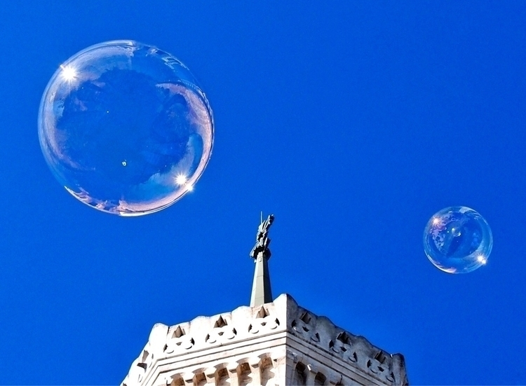 morning victory - Lyon, France, bubblesnotwar - kyphotos | ello