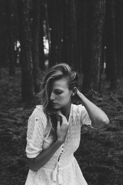 Sarah - Beneath pines - antonymerat | ello