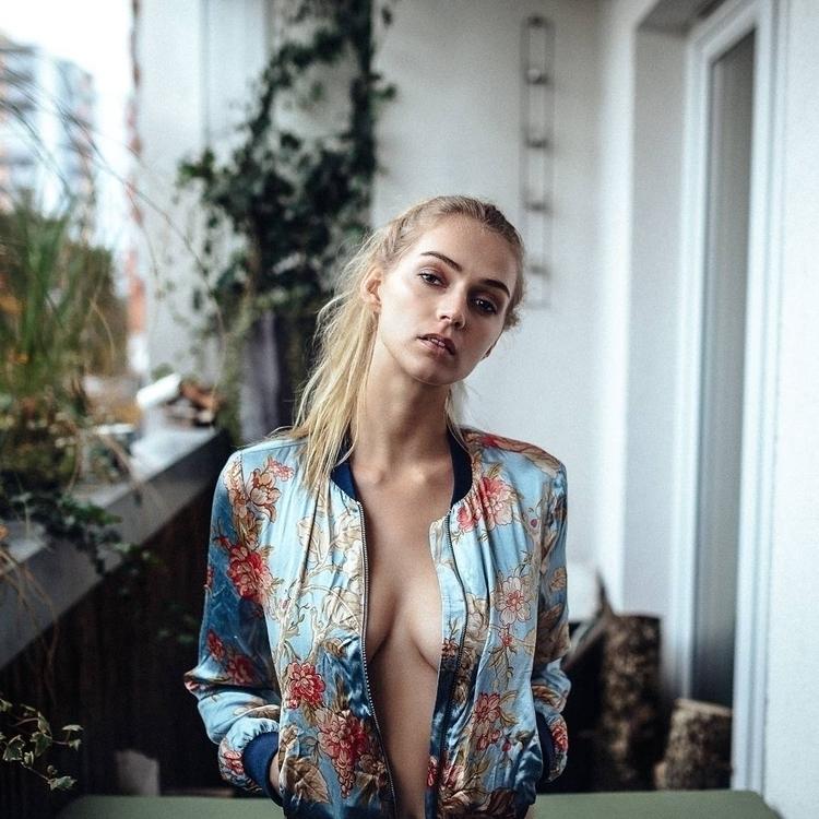 Gorgeous Female Portraits Lenna - photogrist   ello