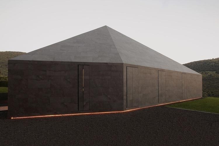 Imposing monolithic volumes enc - thisispaper   ello