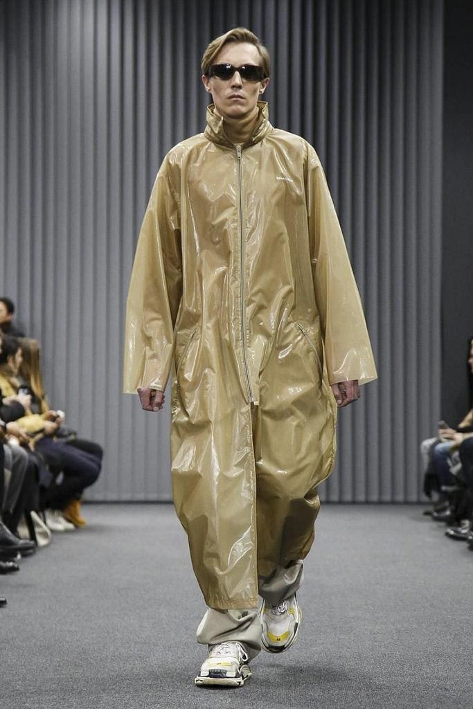 Balenciaga FW17 - pjsmith | ello