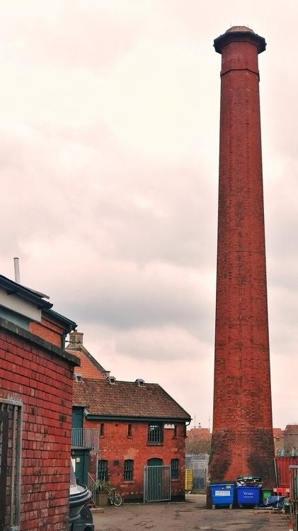 bristol, England, tower, redbricks - clemconti | ello