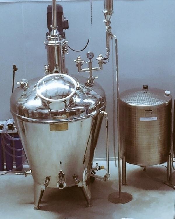 Hope Hopkins Gin distillery, am - davton | ello