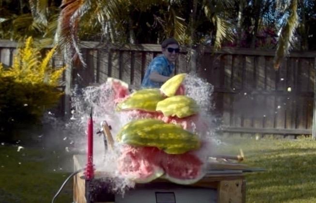 Watch watermelon zapped 20,000  - bonniegrrl | ello