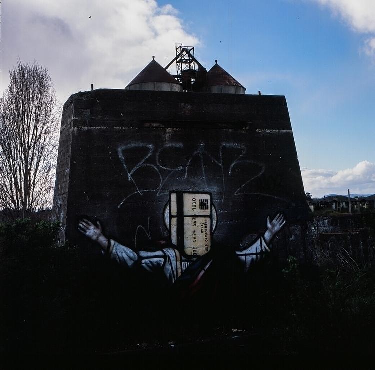 bipgraffiti, ellograffiti, shotonfilm#hasselblad - teetonka | ello