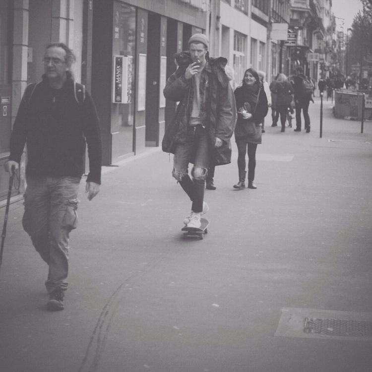 Paris street skating - victor_leal | ello