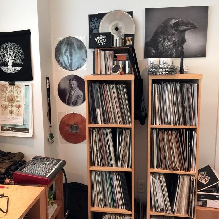 room vinyl Discover essential a - thatspecialrecord   ello