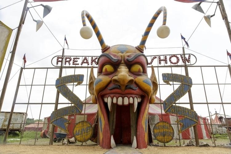 freak show! Contribute share - ThursdayThoughts - gianluca_balla | ello