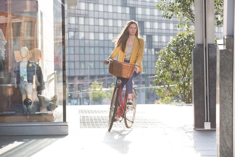 Al trabajo en bici - avantumbikes - avantumbikes | ello