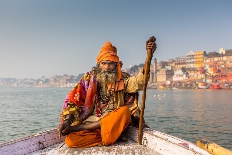 Sadhu Varanasi, sacred city. fa - travelbabbo | ello