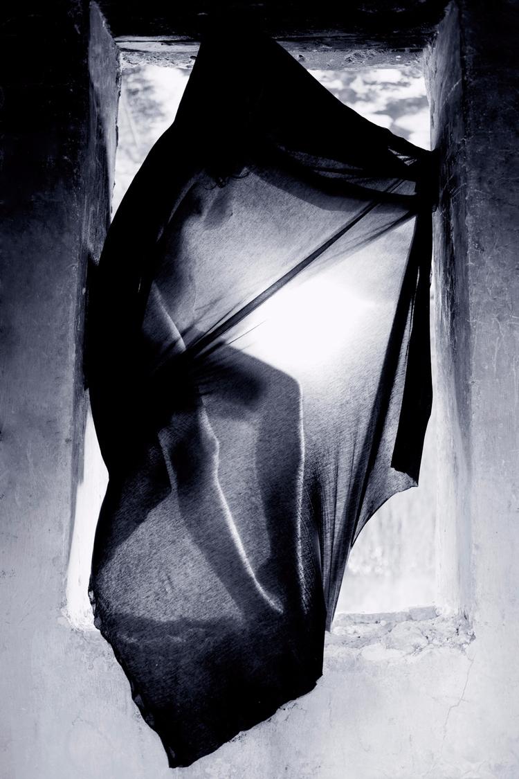 Check powerful Black White phot - conartistcollective | ello