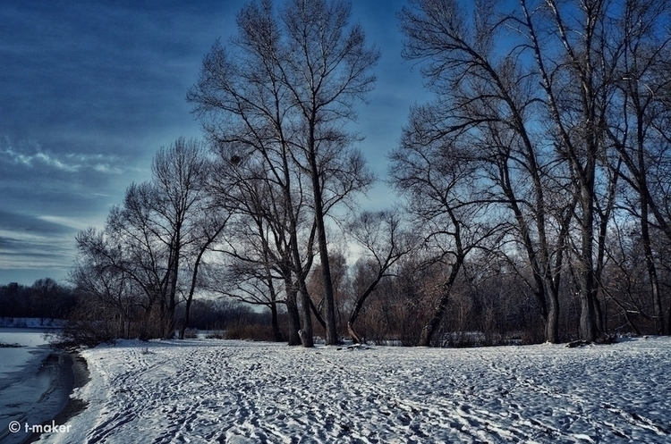 River Beach Winter | Flickr: De - t-maker | ello