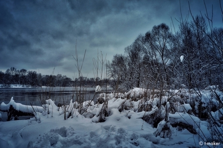 Winter Overcast | Flickr: Devia - t-maker | ello