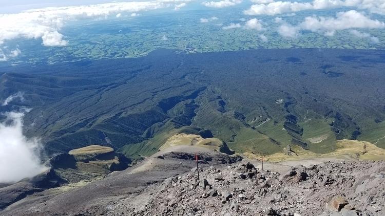 Buffer - Mt Taranaki - jomarois | ello