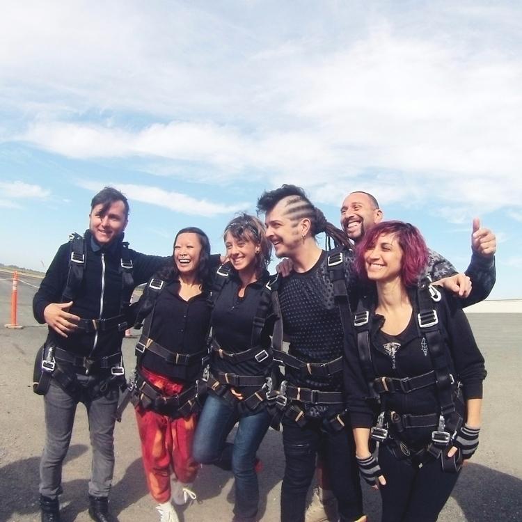 Marika called wanted skydiving  - nunich   ello