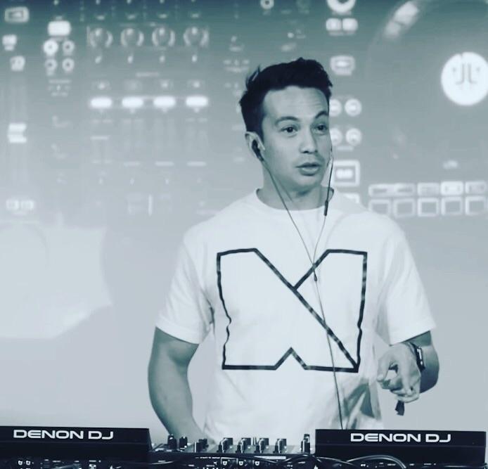 Denon DJ upping game. Laidback  - leslie | ello