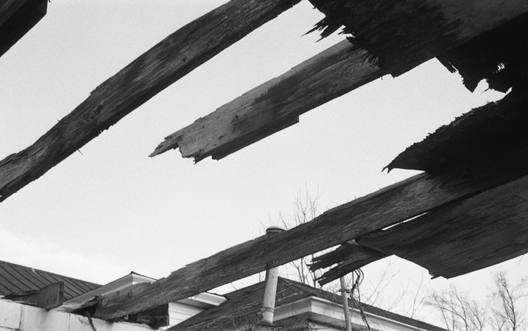 roof - filmphotography, blackandwhite - flaneurity | ello