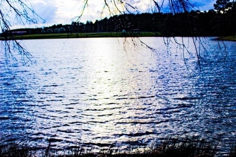 Lakeside - lake, nature, outdoors - saywhahnah | ello