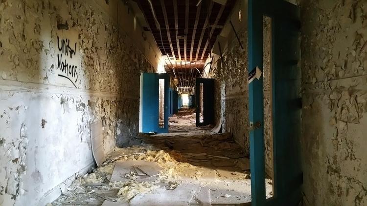 Lurking 4 - Photography, abandonedplaces - darkarcader | ello
