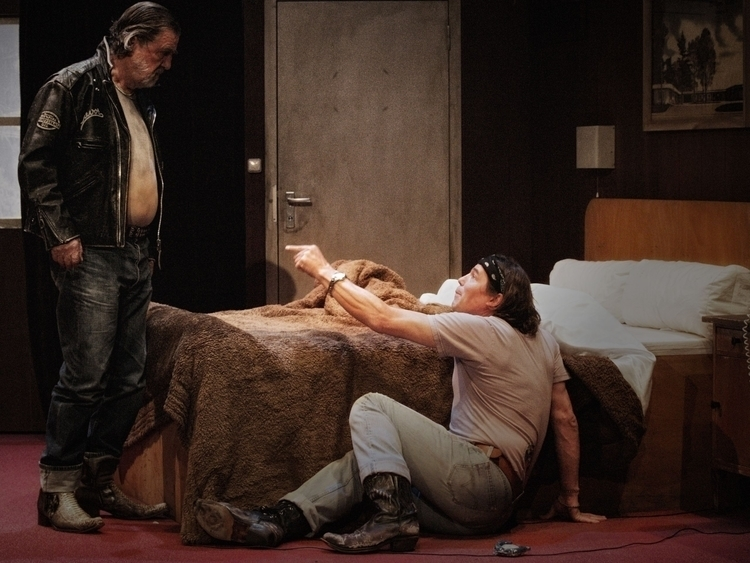 Suburban Motel, 10.2005, George - franklehmann | ello