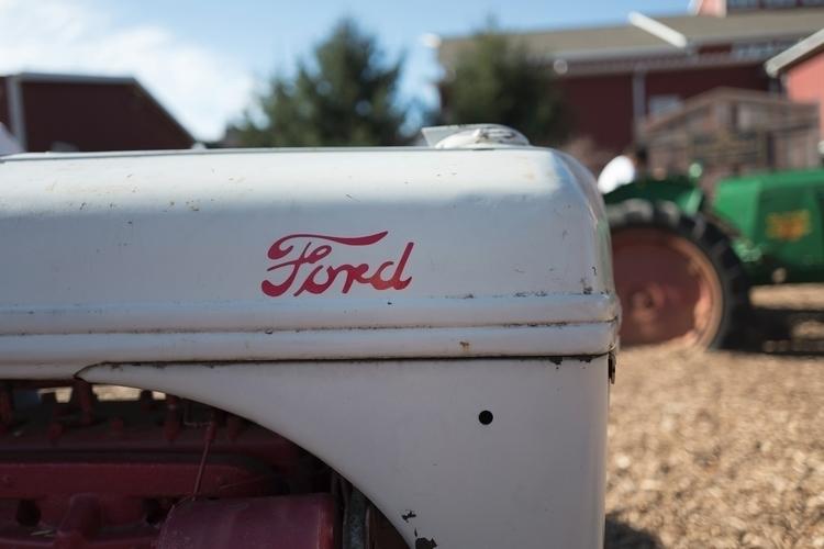 Vintage Ford Tractor Poplar Gro - nickdelrosario | ello