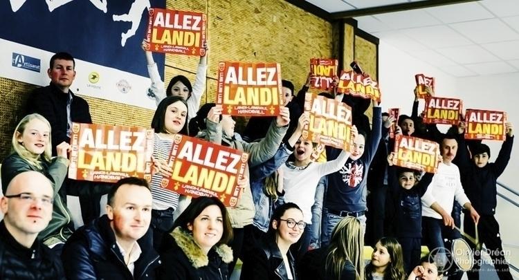 Les fidèles supporters de Landi - olivier_drean   ello
