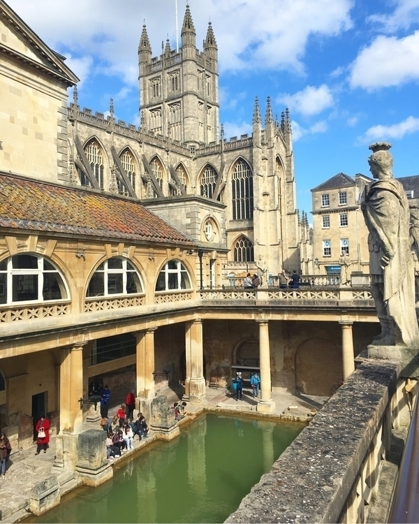 Roman bath town Bath, England - bathengland - sydbotanica   ello