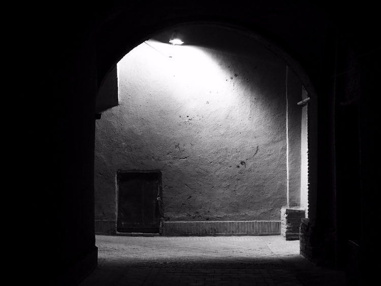 shadow light, Yazd, Iran Olivie - olivierchantome | ello