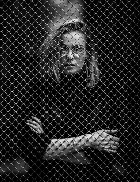 SlavNowosad.com - prisonbreak - slavnowosad | ello