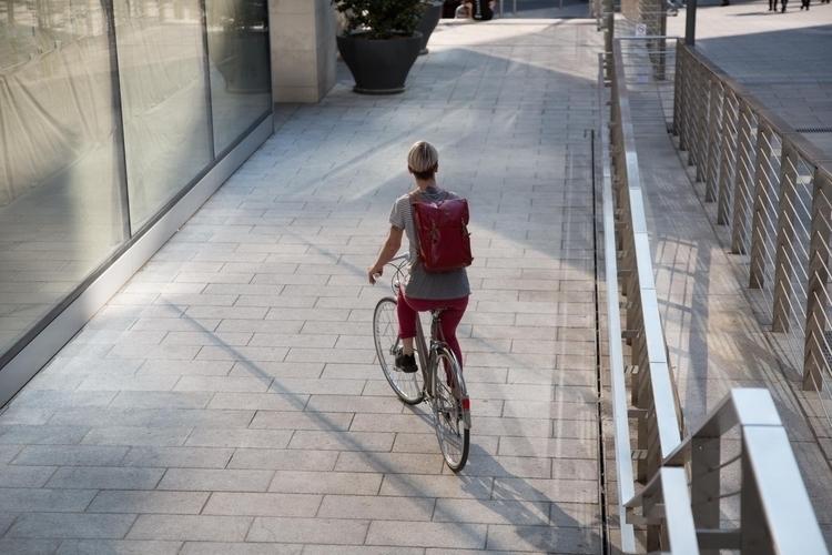 De paseo con italiana Veló-ce - biciclasica - avantumbikes | ello