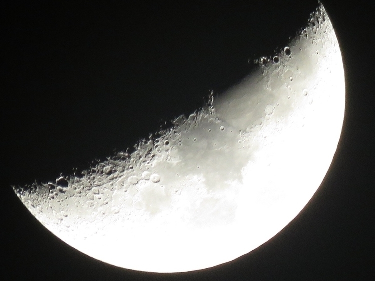April 2nd Moonshot - Canon, moon - gwensutton | ello