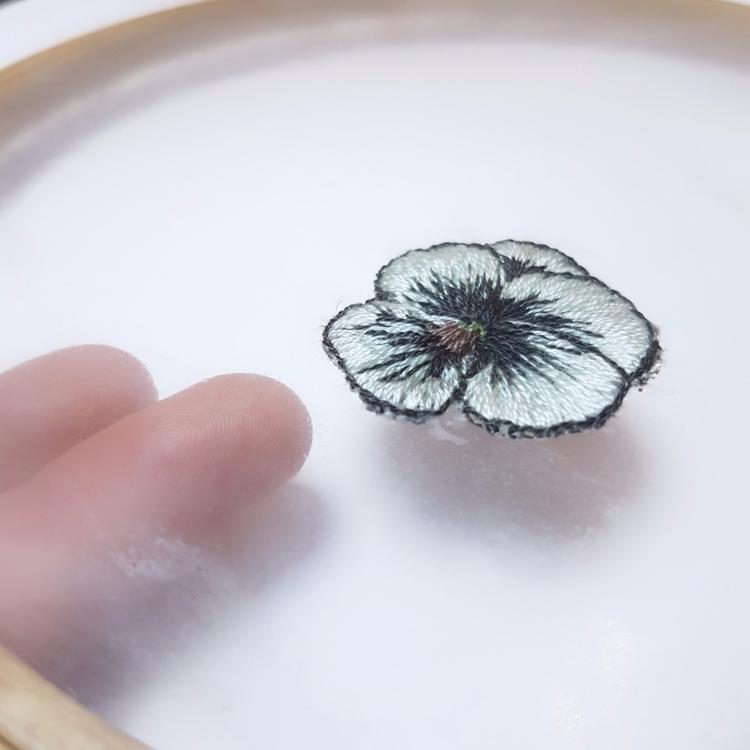 Flower embroidery - textileart, fiberart - fullmetalneedle   ello