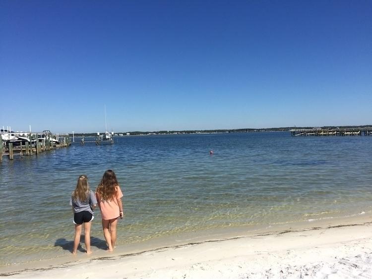Friends, Pensacola, FL - paquita248 | ello