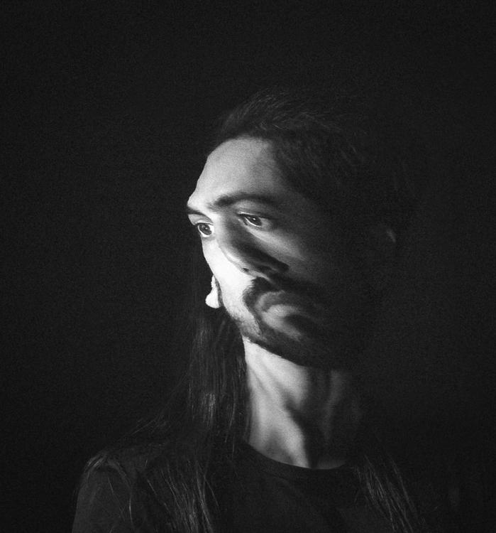 013 - italic - photography, distorted - pebez | ello