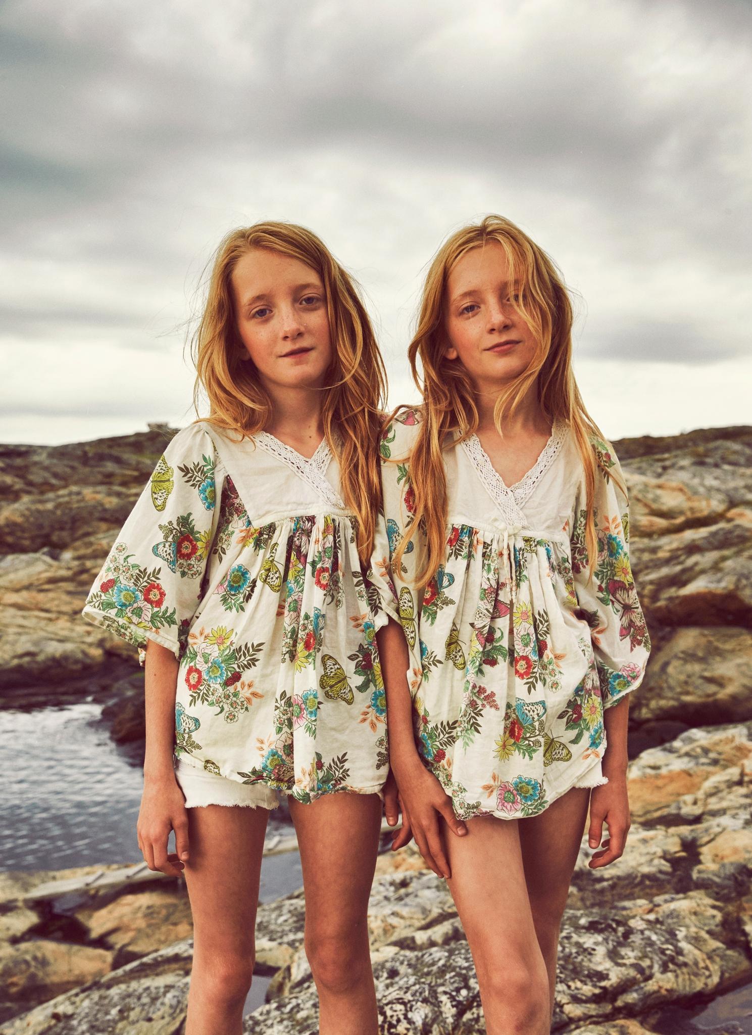 Sisters - maxmoden | ello