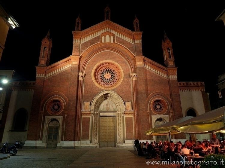 Milan (Italy): Church Santa Mar - milanofotografo   ello