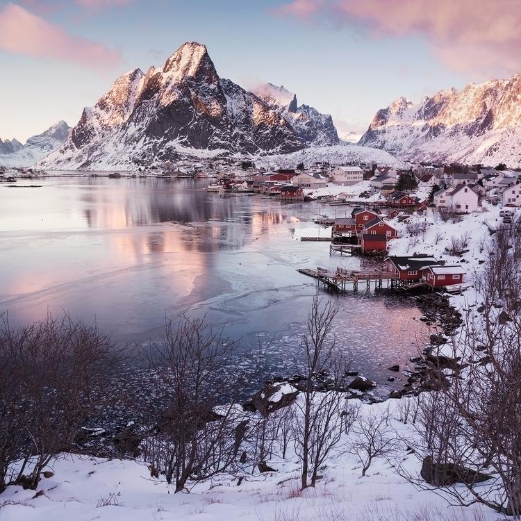 Norways towns tooooooo photogen - felixinden | ello
