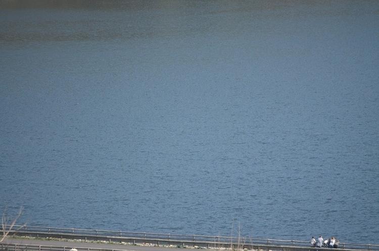 La famille au bord du lac - Caramany - le_m_poireau | ello