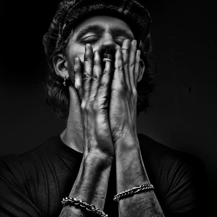 shot Stoof. Artist. Spotify - blackandwhite - niklaspalmklint | ello